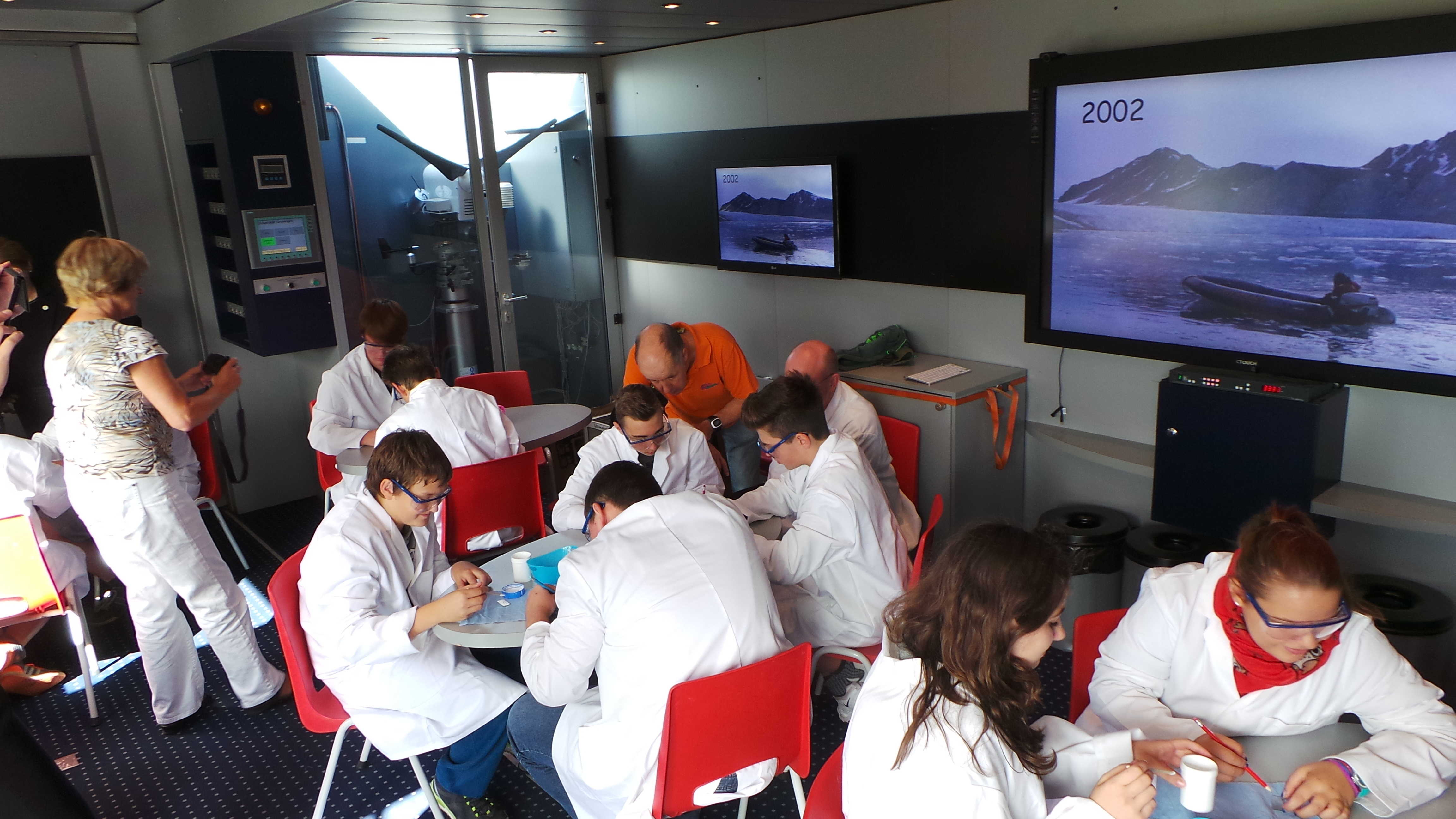 17.9.15 Schul-Tour Discovery Trucks