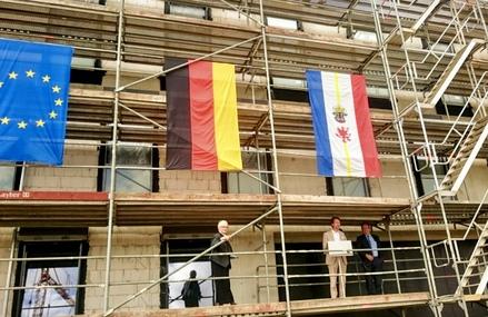Richtfest des Polizeizentrums in Schwerin