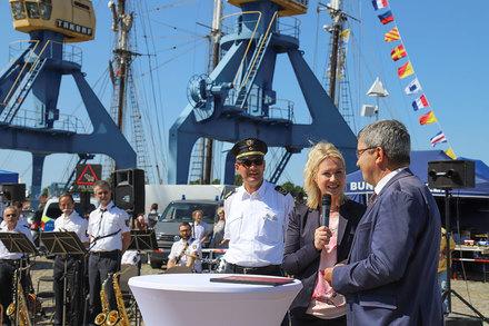 Ministerpräsidentin mit Innenminister auf dem MV-Tag 2018 in Rostock