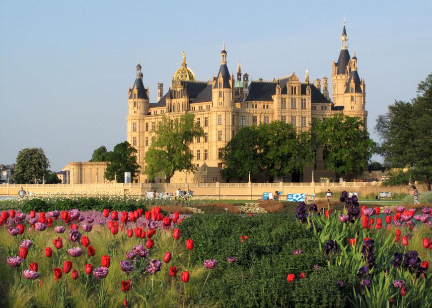 Staatliche Schlösser Gärten Und Kunstsammlungen Mecklenburg